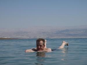 Drijvend in de Dode Zee!