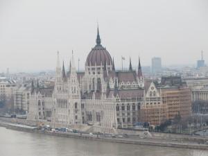 Het Parlement gezien vanaf Buda