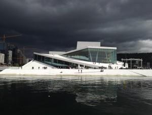 Het Opera Huis in donkere tijden