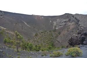 Wandeling over de randen van de krater