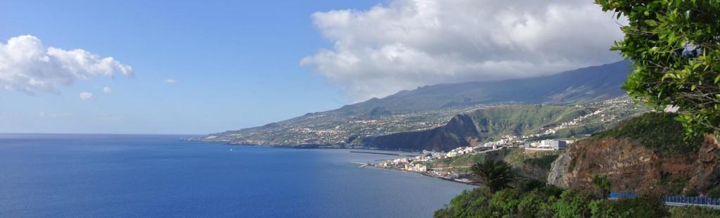 Zicht op het zuiden van het eiland, met rondom de krater Santa Cruz de La Palma