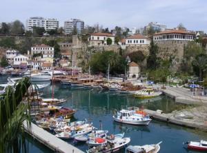 De haven van Antalya