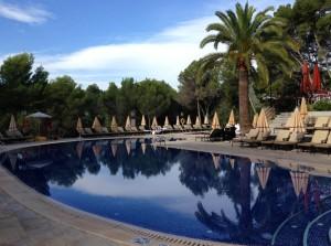 Het zwembad van Castillo Hotel Son Vida