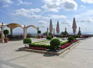 Restaurant op het grote terras met zicht op Palma