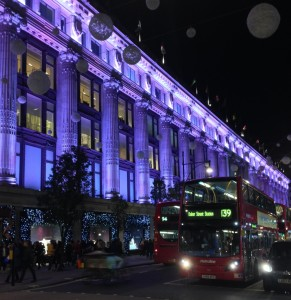Londen is in de avond prachtig verlicht.