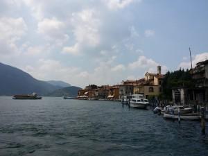 Tijdens het wegvaren van Monte Isola heb je een verbluffend uitzicht...