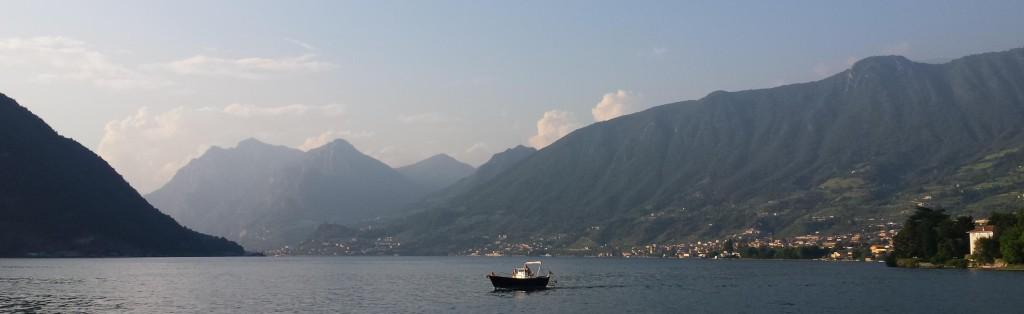 Mooie panorama van een prachtig meer
