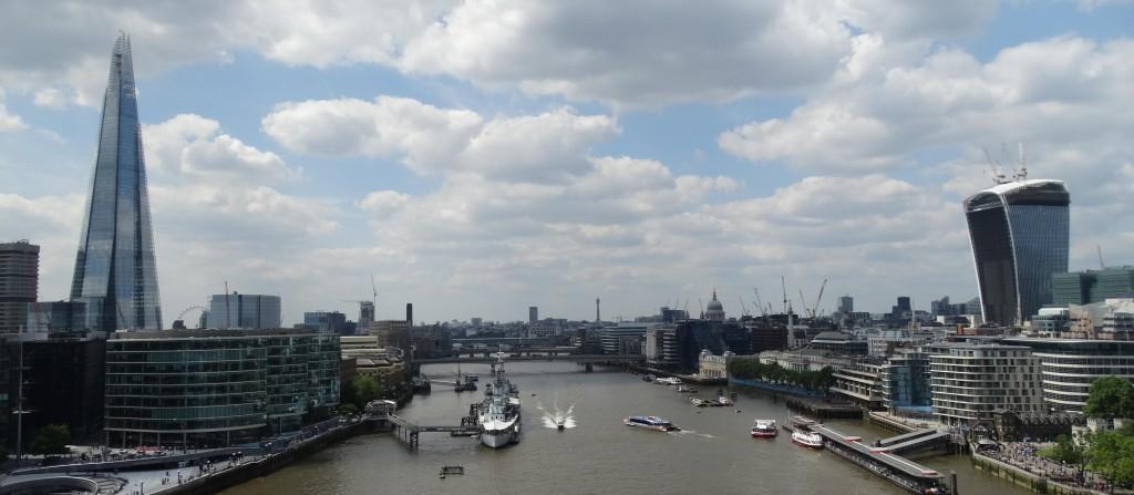Skyline van Londen met het hoogste gebouw van de stad: The Shard