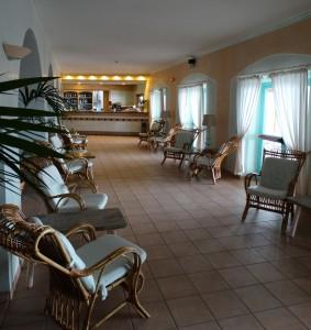 De bar bij het hotel en restaurant