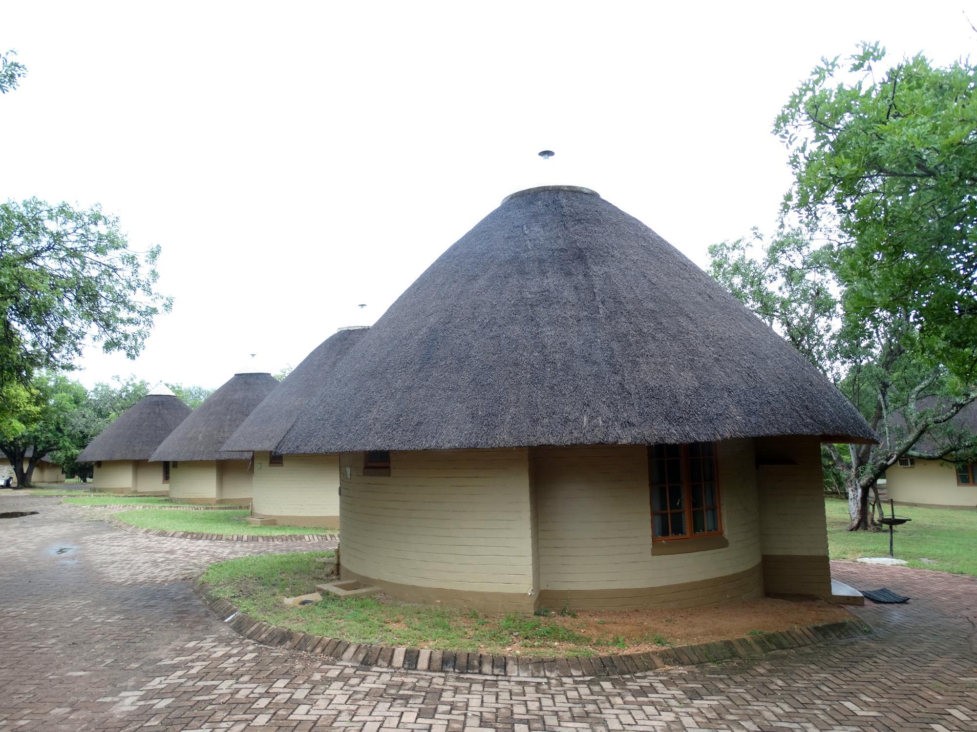 De mooie huisjes van het Skukuza Kamp