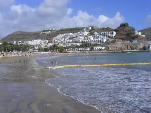 Het strand en Puerto Rico; op de heuvels gebouwd