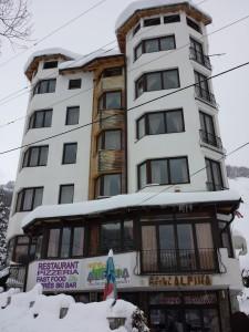 Het Hotel Alpina Mavrovo in de winter