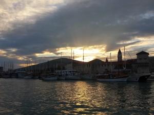 Zicht op het prachtige Trogir