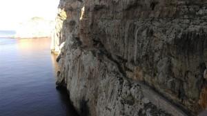 Rotskusten op Sardinië